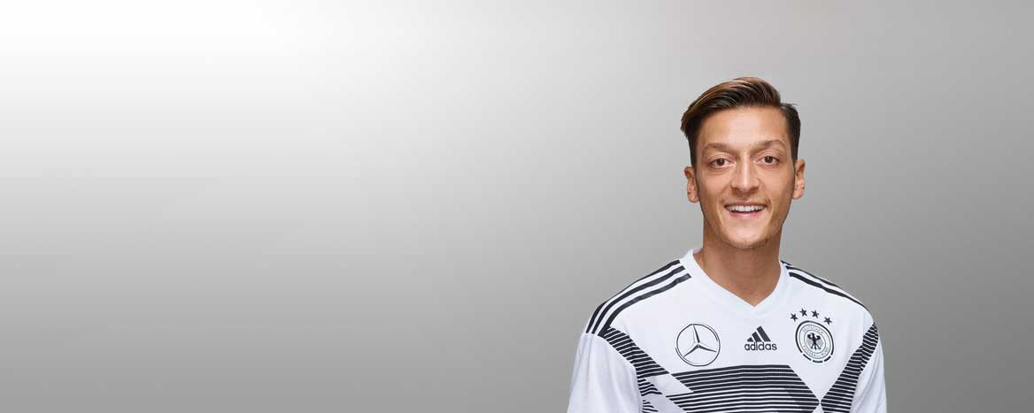Quotes by Mesut Özil